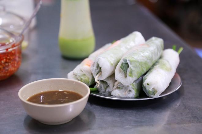 Phố ẩm thực hội tụ các món ăn 3 miền đầu tiên ở Sài Gòn có gì đặc biệt? - Ảnh 11.