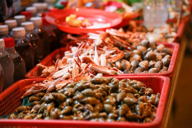 Phố ẩm thực hội tụ các món ăn 3 miền đầu tiên ở Sài Gòn có gì đặc biệt? - Ảnh 10.