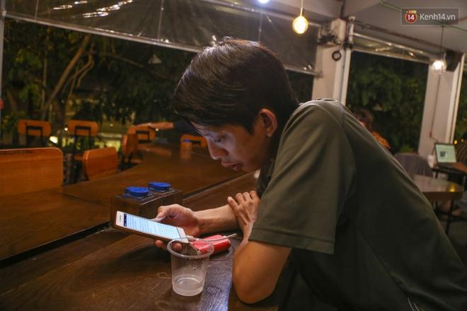 Giới trẻ làm gì trong các quán cafe mở cửa xuyên đêm ở Sài Gòn? - Ảnh 8.