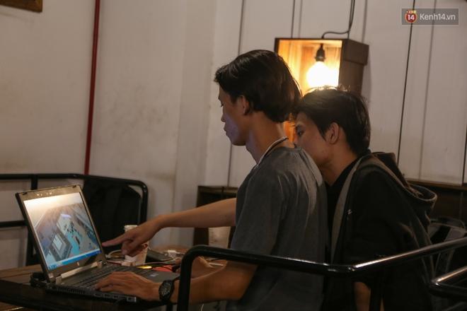 Giới trẻ làm gì trong các quán cafe mở cửa xuyên đêm ở Sài Gòn? - Ảnh 5.
