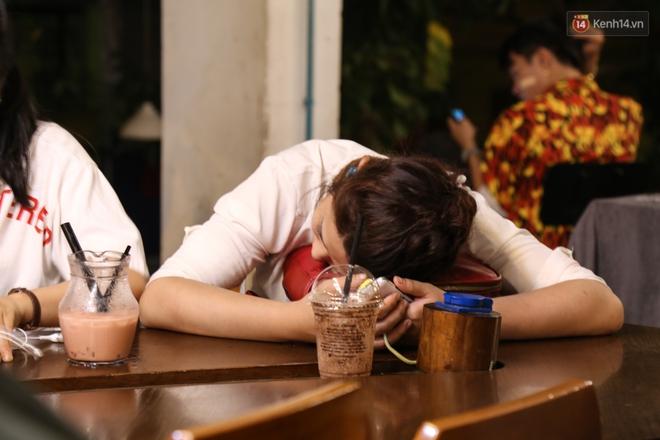 Giới trẻ làm gì trong các quán cafe mở cửa xuyên đêm ở Sài Gòn? - Ảnh 12.