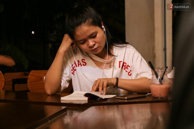 Giới trẻ làm gì trong các quán cafe mở cửa xuyên đêm ở Sài Gòn? - Ảnh 9.