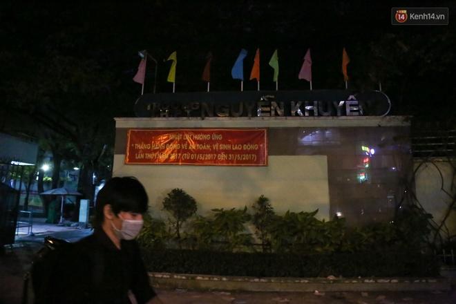 Sau lễ bế giảng, nhóm học sinh cấp 3 ở Sài Gòn thi nhau ném