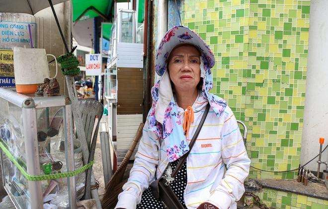 Người bán hàng rong ở Sài Gòn nói gì về đề xuất cho thuê vỉa hè với giá 100 nghìn đồng mỗi m2? - Ảnh 7.