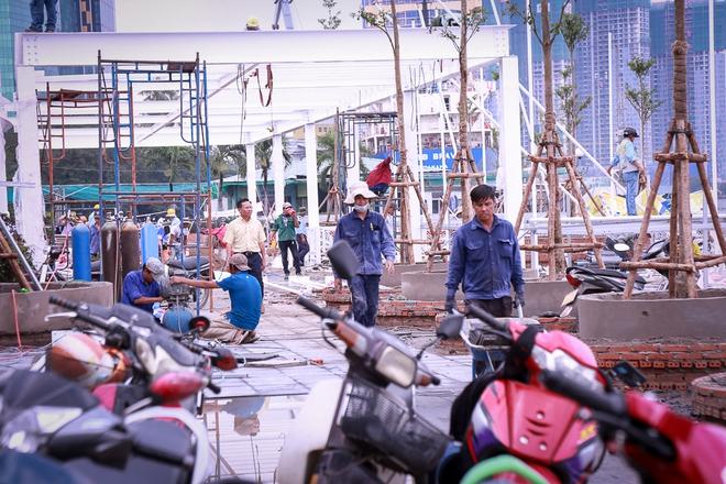 Cận cảnh bến buýt đường sông đầu tiên ở Sài Gòn sẽ hạ thủy vào tháng 9 - ảnh 2