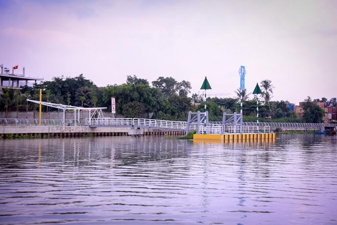 Cận cảnh bến buýt đường sông đầu tiên ở Sài Gòn sẽ hạ thủy vào tháng 9 - ảnh 4