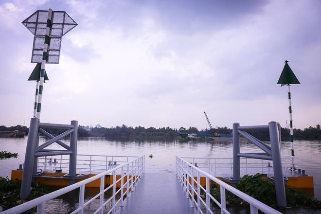 Cận cảnh bến buýt đường sông đầu tiên ở Sài Gòn sẽ hạ thủy vào tháng 9 - ảnh 10