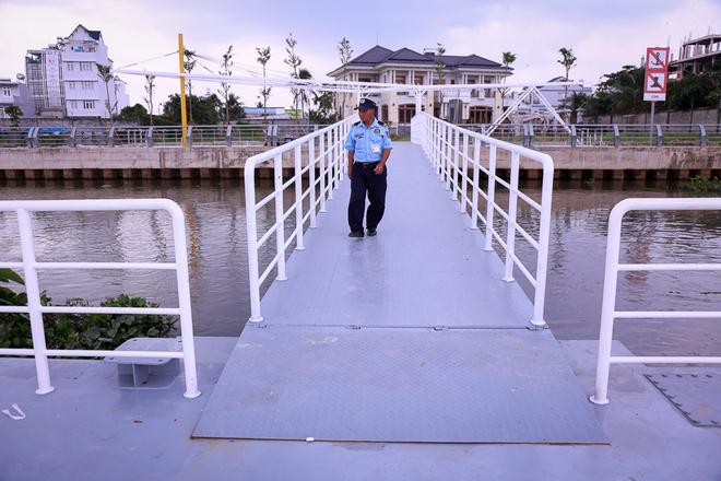 Cận cảnh bến buýt đường sông đầu tiên ở Sài Gòn sẽ hạ thủy vào tháng 9 - ảnh 9