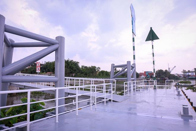 Cận cảnh bến buýt đường sông đầu tiên ở Sài Gòn sẽ hạ thủy vào tháng 9 - ảnh 6