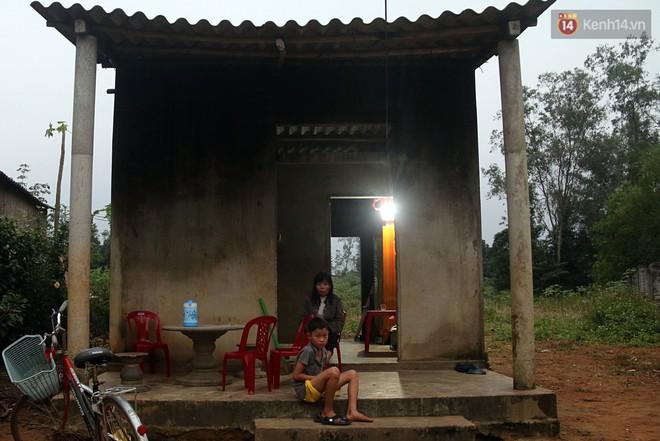 Ngôi nhà của Lộc bây giờ đã có bóng dáng của người mẹ.