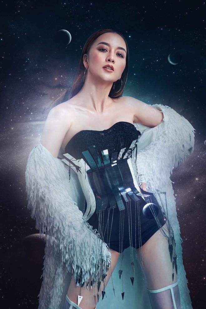 Thiều Bảo Trang đưa khán giả bay vào ngân hà với single Dance Miracle - ảnh 3