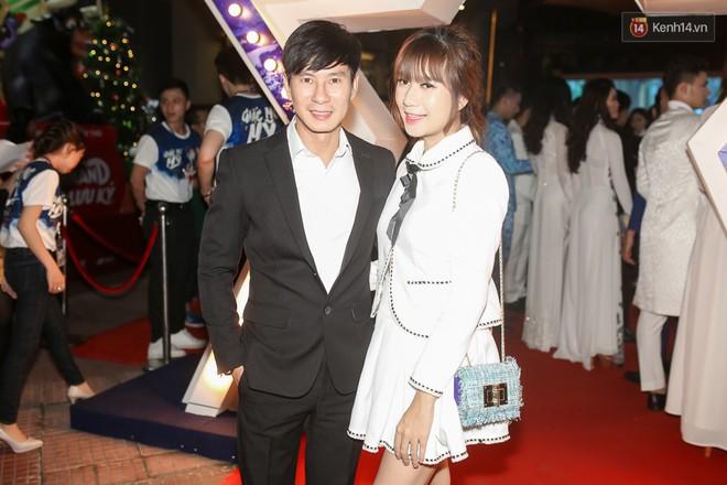 Bình Minh - Mai Thu Huyền diện áo dài trắng in tên phim mình đóng trong buổi ra mắt - Ảnh 9.