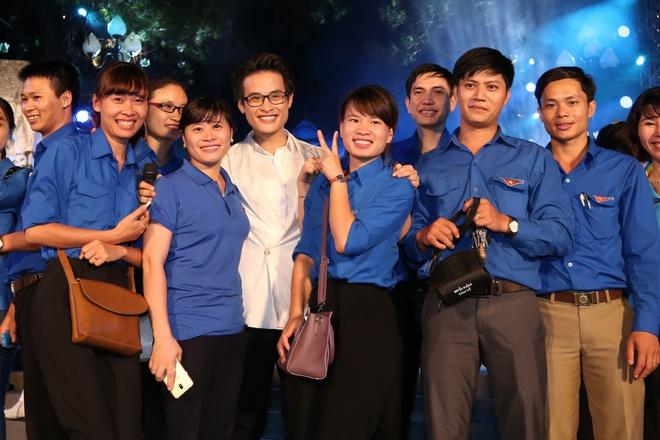 Đông Nhi nồng nàn, Phương Linh nghẹn ngào khi hát về những anh hùng của dân tộc - Ảnh 18.