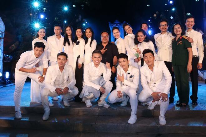 Đông Nhi nồng nàn, Phương Linh nghẹn ngào khi hát về những anh hùng của dân tộc - Ảnh 19.