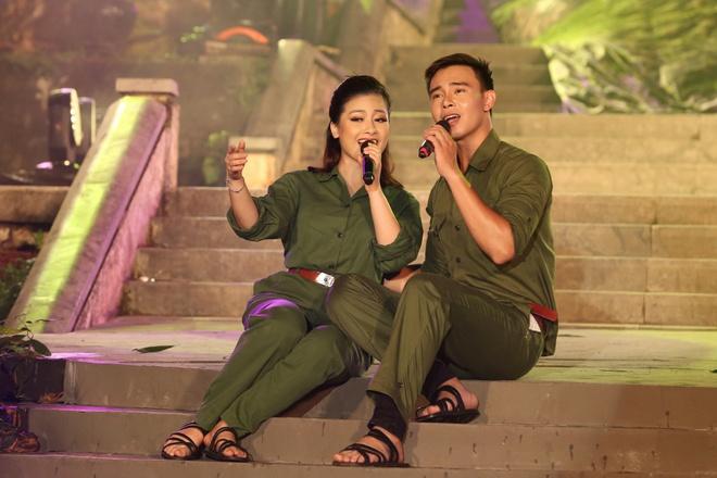 Đông Nhi nồng nàn, Phương Linh nghẹn ngào khi hát về những anh hùng của dân tộc - Ảnh 11.