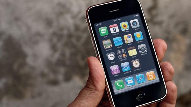 Chỉ mặt, điểm tên những sự tồi tệ trên iPhone suốt 10 năm qua - Ảnh 3.