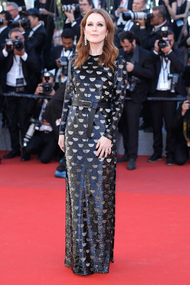 julianne-moore-okja-red-carpet-arrivals-