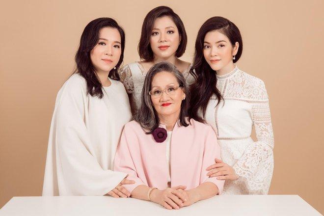 Ngày gia đình Việt Nam: Lý Nhã Kỳ hạnh phúc khoe ảnh gia đình 3 thế hệ - Ảnh 3.