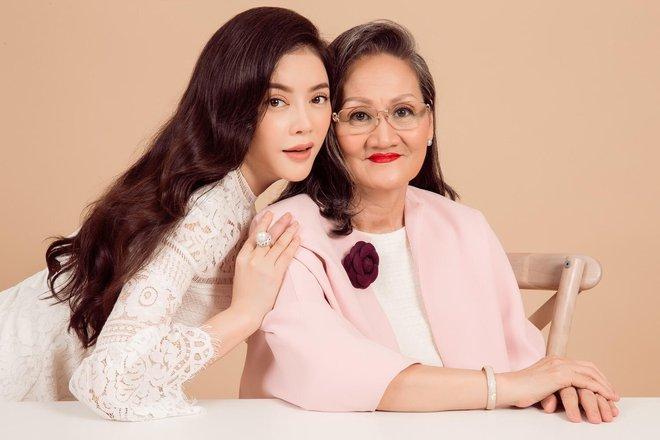 Ngày gia đình Việt Nam: Lý Nhã Kỳ hạnh phúc khoe ảnh gia đình 3 thế hệ - Ảnh 6.