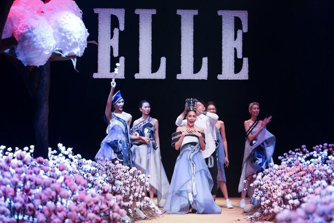 Cong cớn lại kiêu kỳ, Mợ Tư Rình Lan Khuê đăng quang luôn trên sân khấu Elle Fashion Show! - ảnh 3