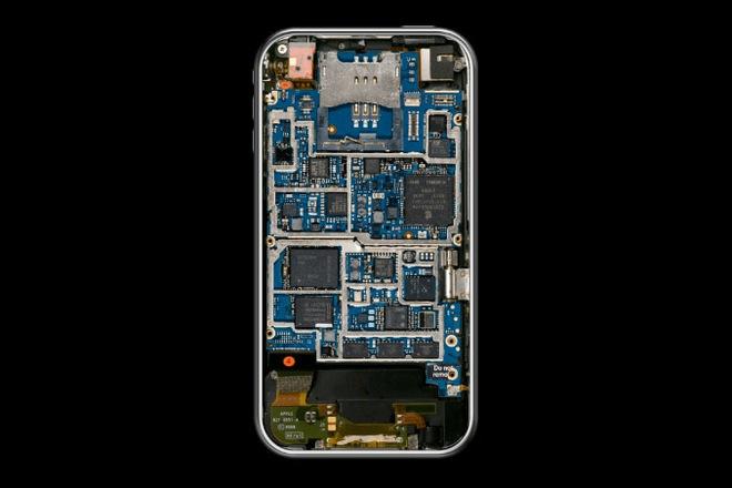 Nội thất bên trong iPhone đã thay đổi như thế nào suốt 10 năm qua? - Ảnh 2.