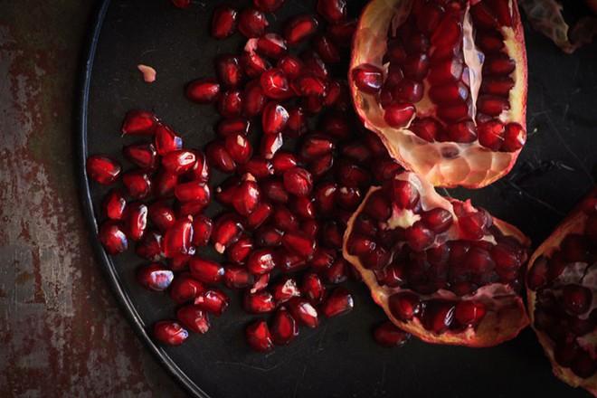 Da hết khô nẻ, xỉn màu trong mùa đông nhờ bổ sung những loại thực phẩm này - Ảnh 1.