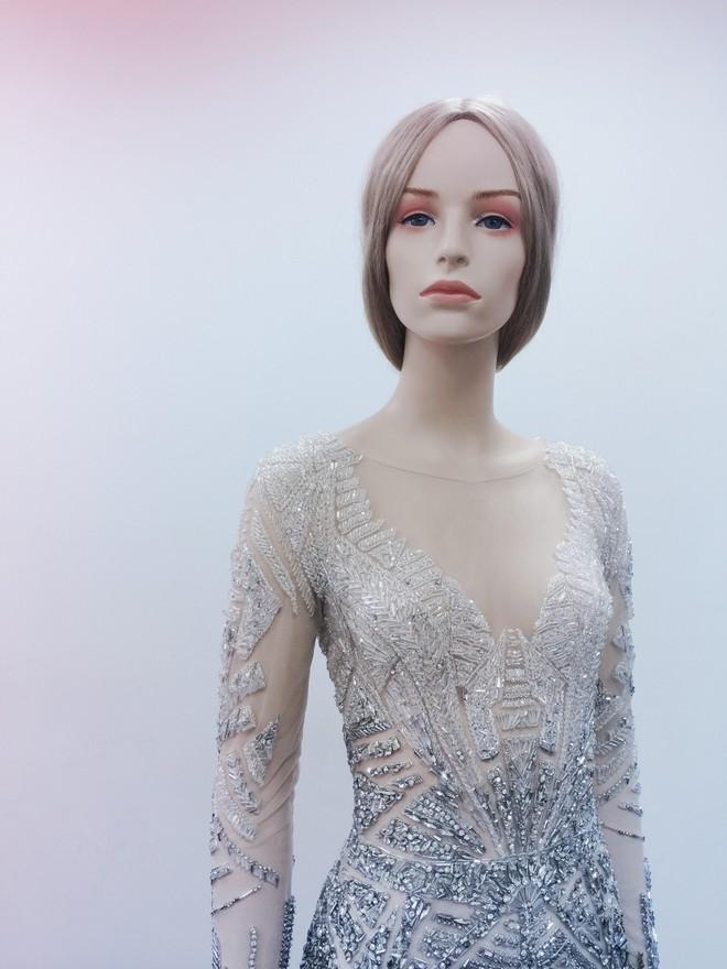 Chiếc đầm đẹp nhất của Lý Nhã Kỳ tại Cannes: rẻ hơn hàng hiệu quốc tế rất nhiều! - Ảnh 9.