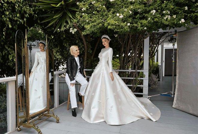Miranda Kerr lộng lẫy kiêu sa giữa vườn hoa hồng trong loạt ảnh cưới đẹp lung linh - Ảnh 2.