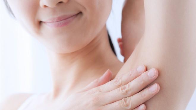 Đánh bay mùi hôi dưới cánh tay nhanh chóng nhờ làm ngay những điều đơn giản sau - ảnh 4