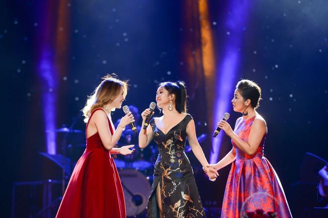 Không cần danh hiệu, Mỹ Tâm vẫn ung dung tỏa sáng cùng 4 Diva trên sân khấu chung - ảnh 7
