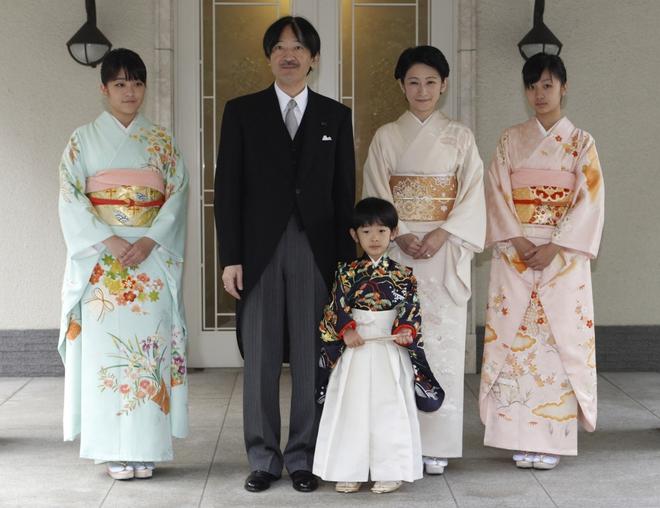 Chân dung chàng trai thường dân khiến Công chúa Nhật từ bỏ địa vị hoàng gia để đi theo tiếng gọi tình yêu 3