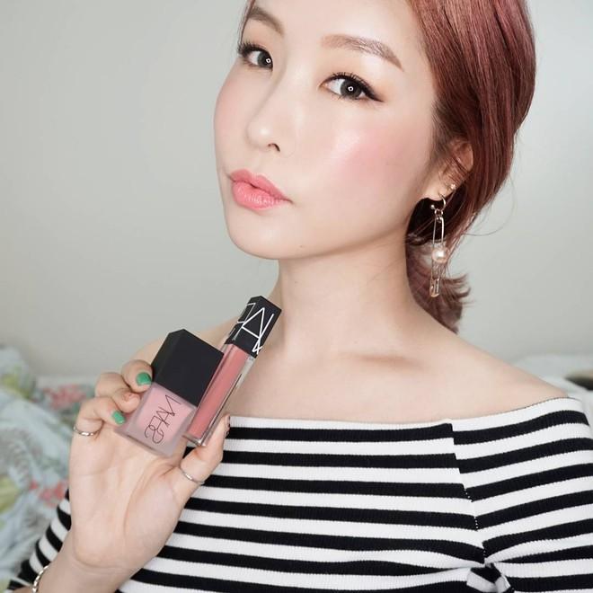 Vì sao má con gái Hàn luôn hây hây mướt rượt như thế? Câu trả lời chính là má hồng dạng sữa - Ảnh 23.
