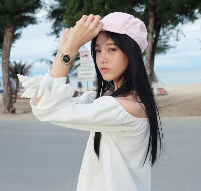 Chỉ cần diện đồng phục học sinh thôi, cô bạn Thái Lan sinh 2000 đã xinh hết phần người ta! - Ảnh 9.