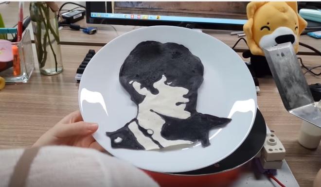 """""""Thánh ăn công sở"""" lại vừa trổ tài vẽ bánh pancake bằng bột siêu đẹp - Ảnh 2."""