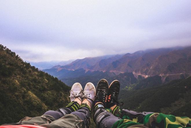 Đi du lịch với đám bạn thân, nhất định phải chơi 10 kiểu chụp ảnh này để có album sống ảo nghìn like! - Ảnh 21.