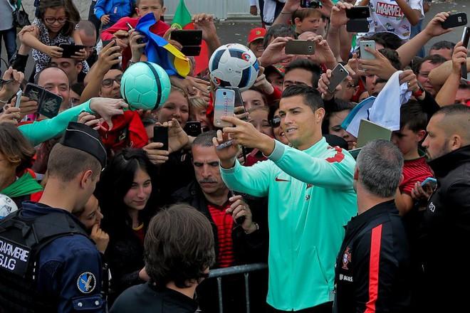 Cristiano Ronaldo, đời anh liệu có nỗi buồn nào không? - ảnh 4