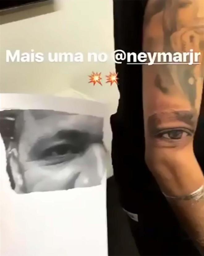 Neymar đã xăm đủ hình thành viên gia đình lên cơ thể - Ảnh 3.