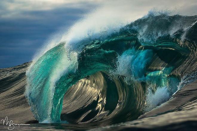 Loạt ảnh đẹp mê hồn về những con sóng của nhiếp ảnh gia người Úc - Ảnh 17.
