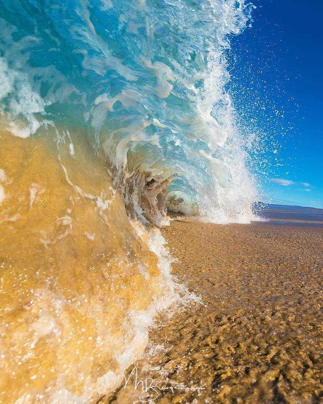 Loạt ảnh đẹp mê hồn về những con sóng của nhiếp ảnh gia người Úc - Ảnh 13.