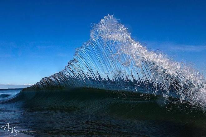 Loạt ảnh đẹp mê hồn về những con sóng của nhiếp ảnh gia người Úc - Ảnh 7.