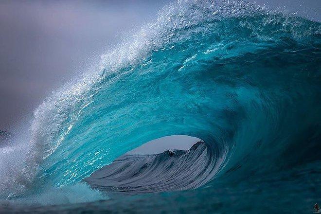Loạt ảnh đẹp mê hồn về những con sóng của nhiếp ảnh gia người Úc - Ảnh 1.