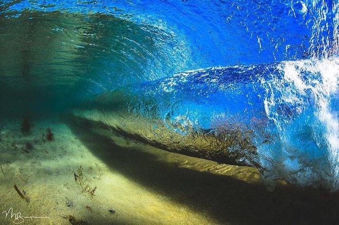 Loạt ảnh đẹp mê hồn về những con sóng của nhiếp ảnh gia người Úc - Ảnh 15.