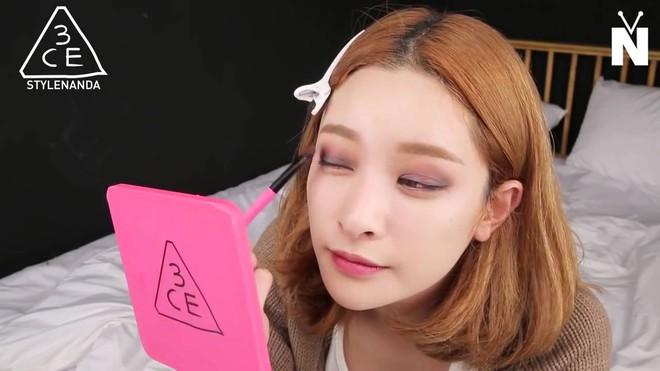 Khoa học đã chứng minh, makeup không chỉ khiến bạn đẹp hơn mà còn giúp chống ung thư! - Ảnh 2.