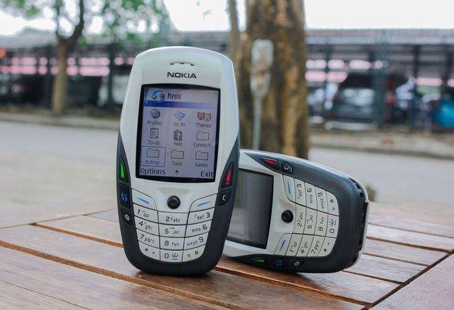 Tưởng thế nào, iPhone hóa ra còn thua xa những chiếc điện thoại cục gạch này - Ảnh 5.