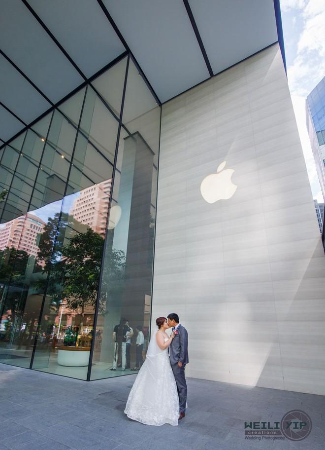 Bộ ảnh cưới của cặp đôi fan cuồng Apple tại Apple Store gây sốt - Ảnh 4.