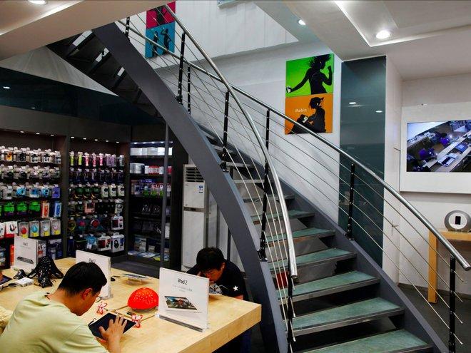 Thật khó tin đây chỉ là những Apple Store giả ở Trung Quốc - Ảnh 11.