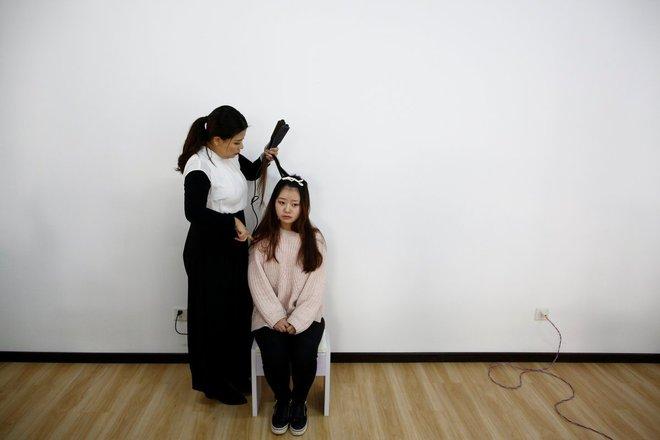Nền công nghiệp hái ra tiền mới cho giới trẻ Trung Quốc: Chỉ cần livestream, có ngay vài chục triệu - Ảnh 3.