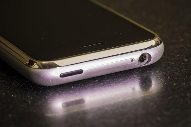 Bí mật thú vị đằng sau chiếc iPhone đầu tiên có mặt tại Việt Nam đúng 10 năm trước - Ảnh 2.