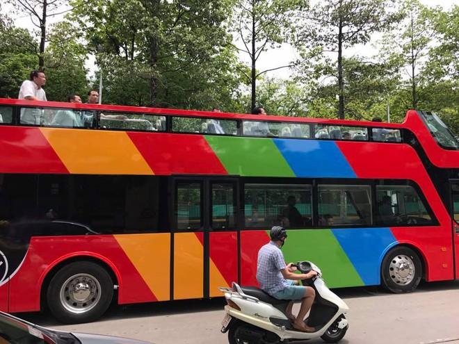 Hà Nội sắp có xe buýt 2 tầng mui trần phục vụ khách du lịch 1