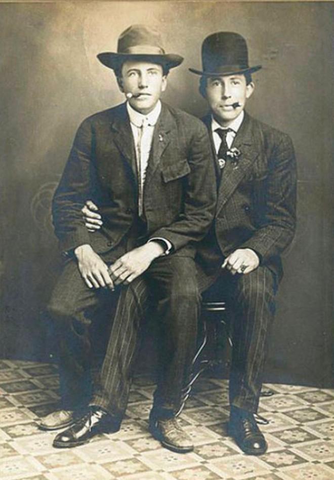 Những hình ảnh thân mật của các chàng trai cách đây 100 năm: Đồng tính không phải trào lưu - Ảnh 8.
